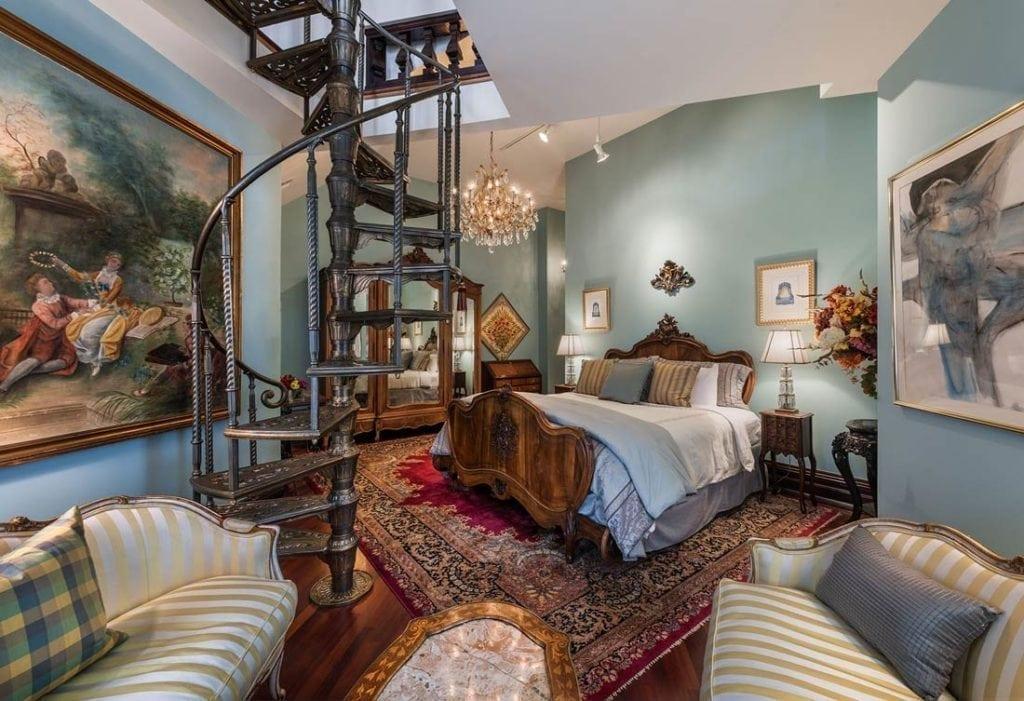 Premium Loft King Suite
