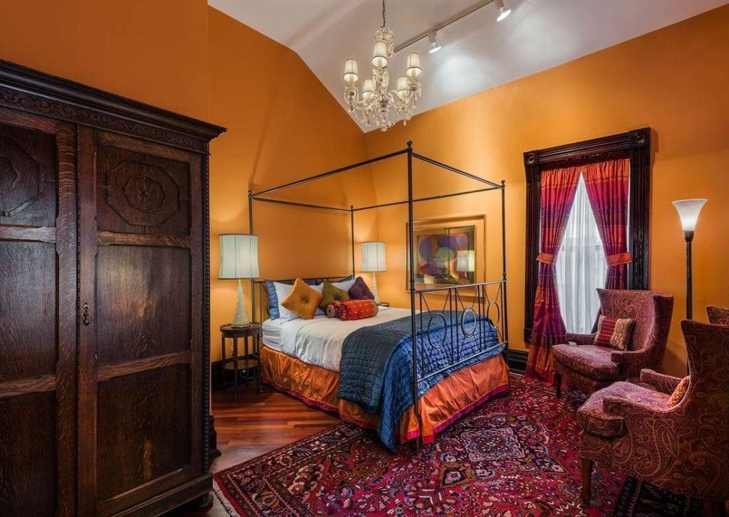 Premium Queen Jaccuzzi Room